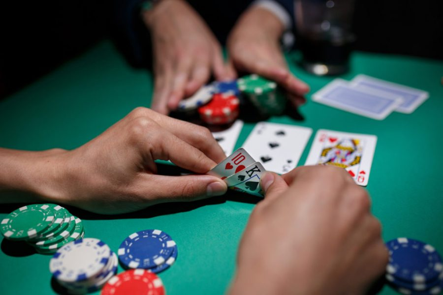 Why Online Poker Websites Are A Safe Way To Play Poker